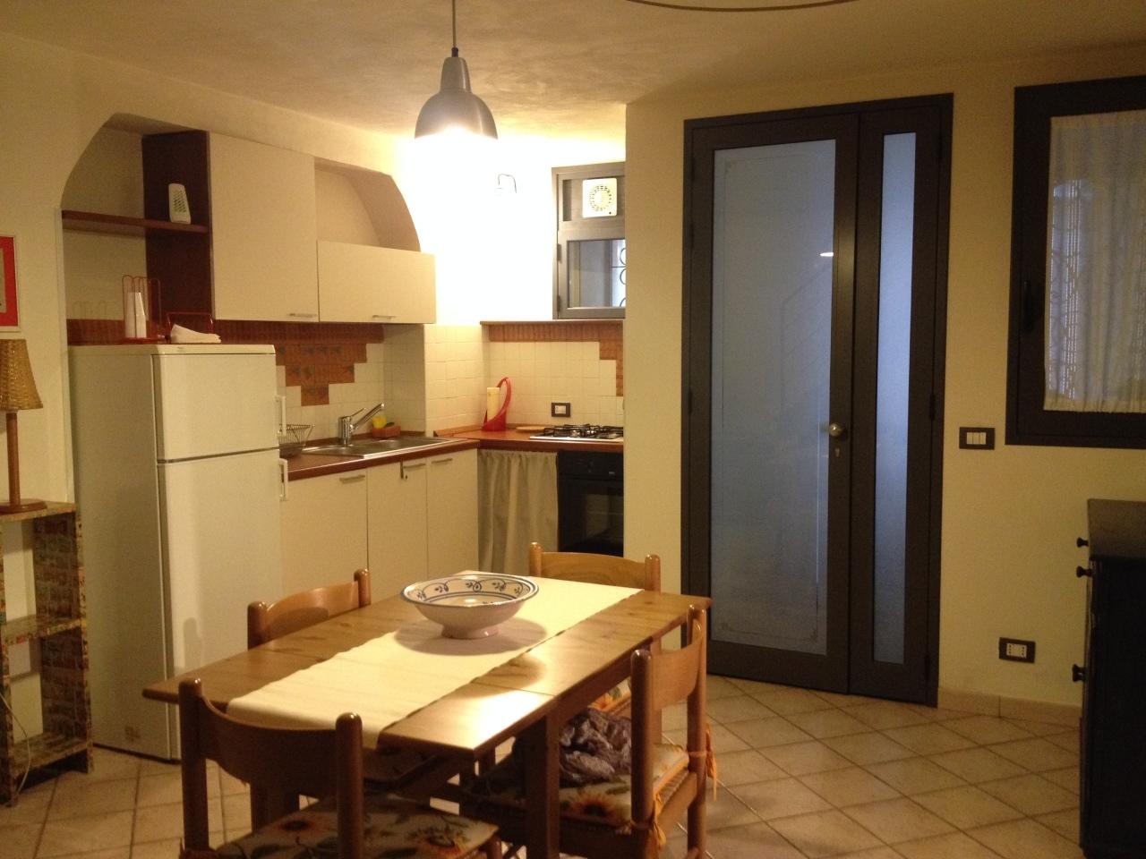 Casa Indipendente in ottime condizioni arredato in affitto Rif. 10339485
