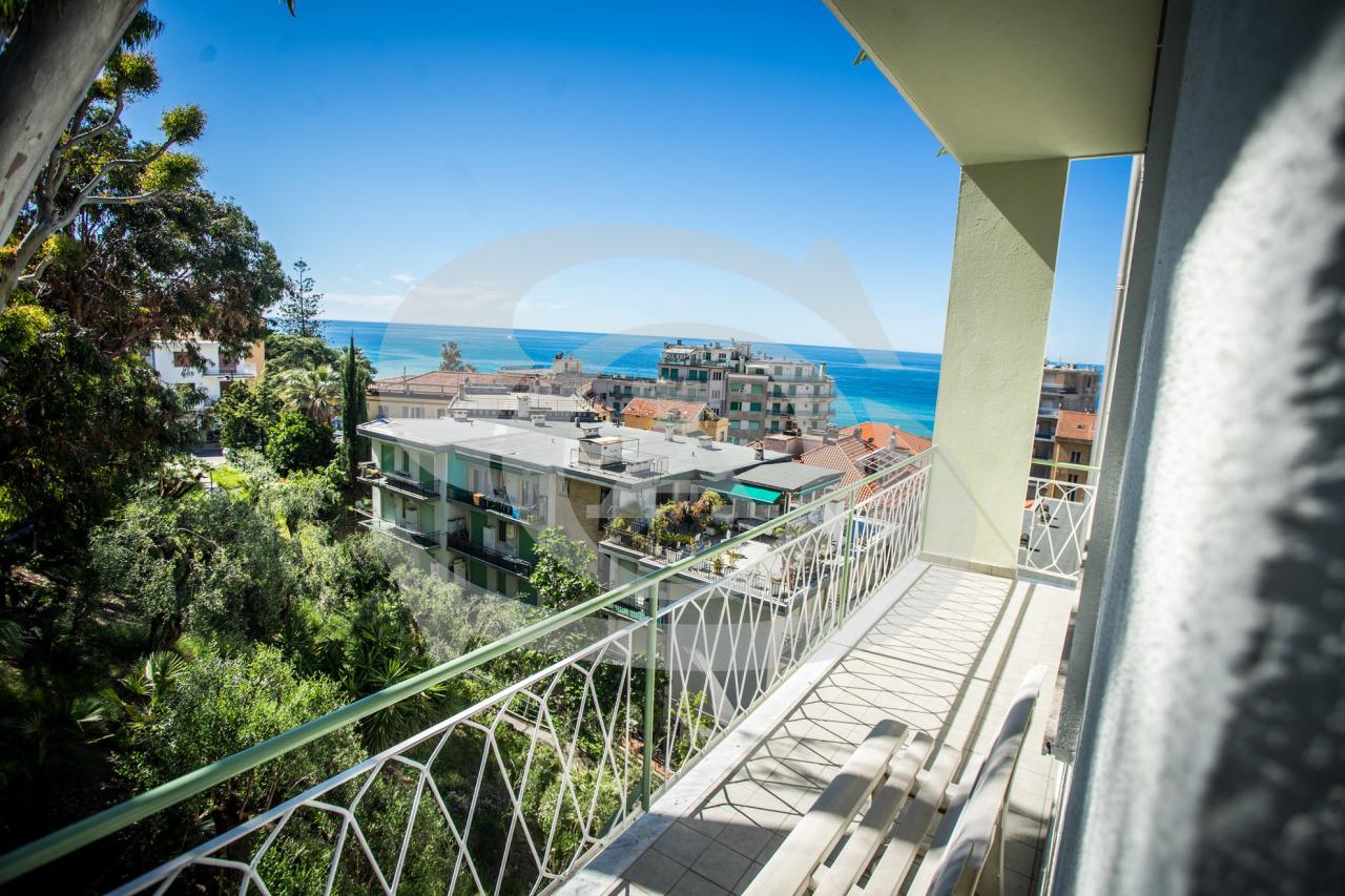 Appartamento in vendita a Ospedaletti, 3 locali, prezzo € 200.000 | PortaleAgenzieImmobiliari.it