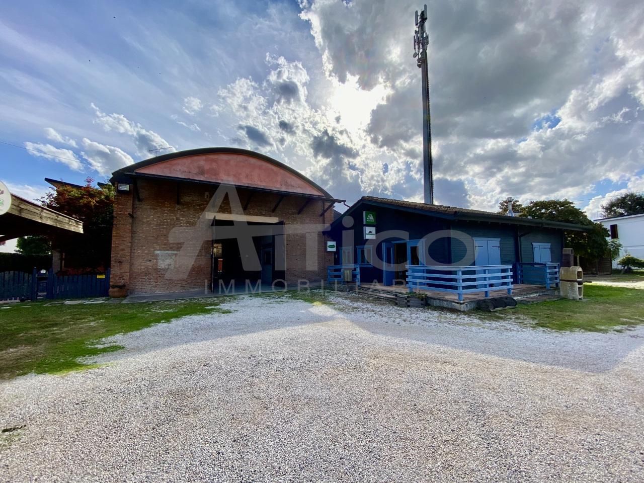 Capannone in vendita a Lendinara, 2 locali, Trattative riservate | CambioCasa.it