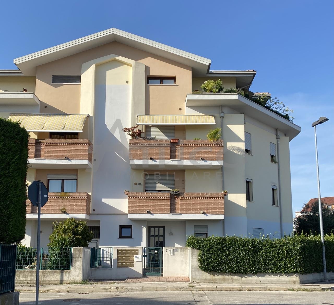 Appartamento in vendita a Rovigo, 5 locali, prezzo € 130.000 | PortaleAgenzieImmobiliari.it