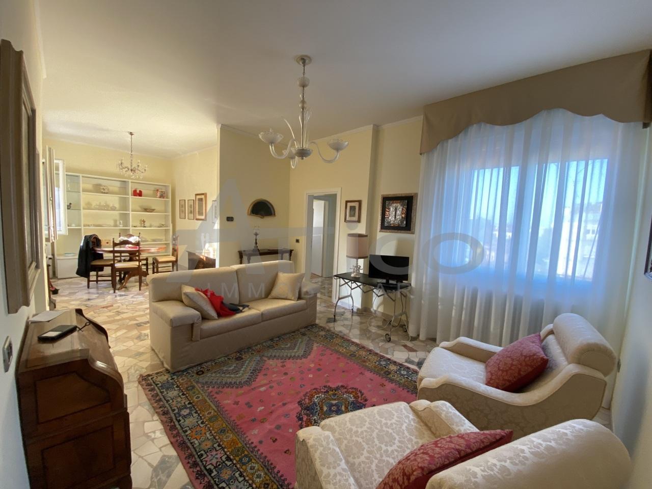 Appartamento in vendita a Rovigo, 5 locali, prezzo € 75.000 | PortaleAgenzieImmobiliari.it