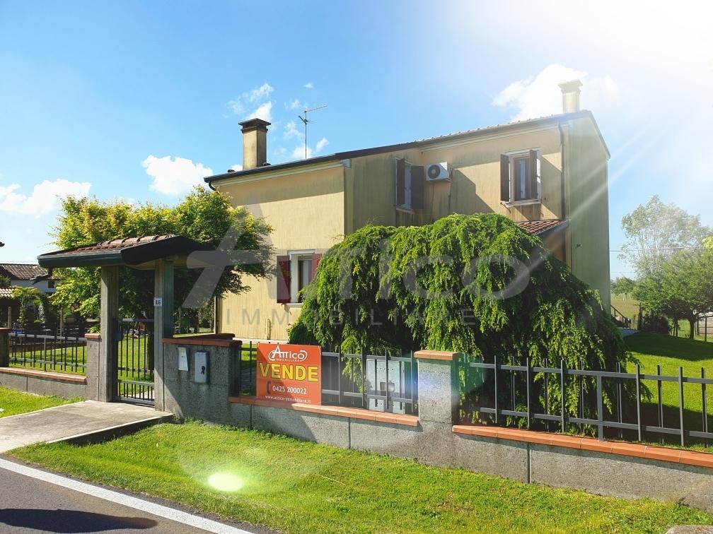 Casa Indipendente in ottime condizioni in vendita Rif. 10178395