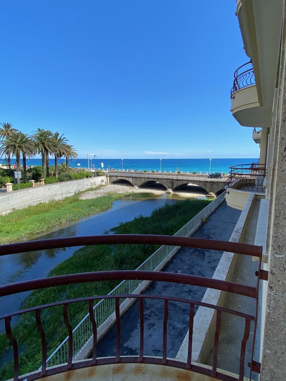 Appartamento in affitto a Finale Ligure, 4 locali, prezzo € 1.200 | PortaleAgenzieImmobiliari.it