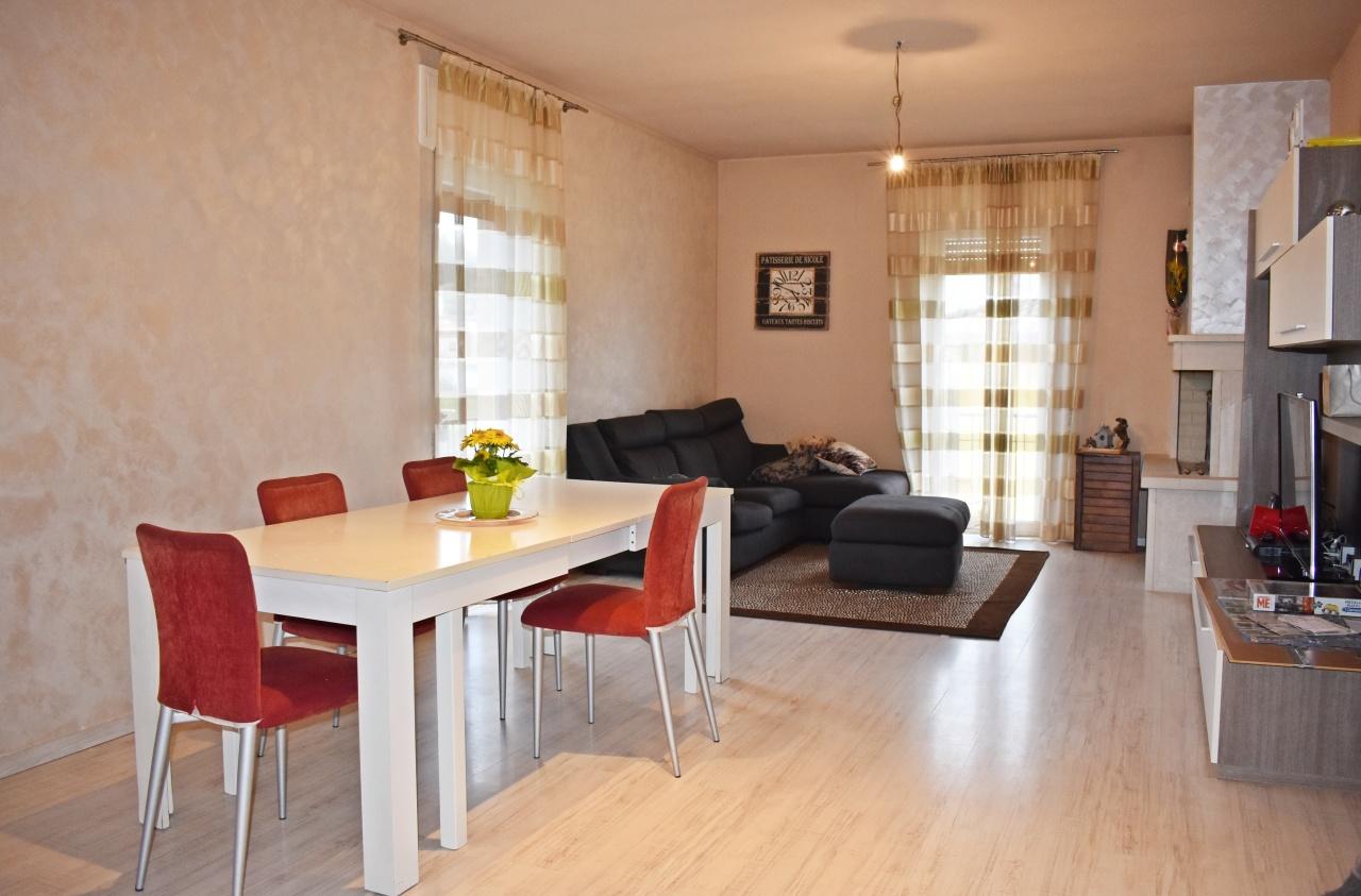 Porzione di casa in ottime condizioni in vendita Rif. 9821851
