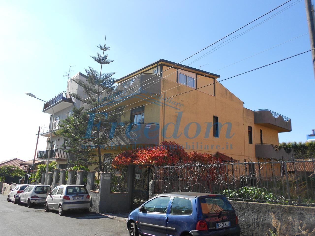 Appartamento - Attico a Periferia, Catania