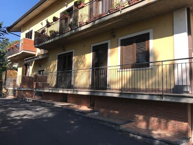 Appartamento in ottime condizioni in vendita Rif. 11100760