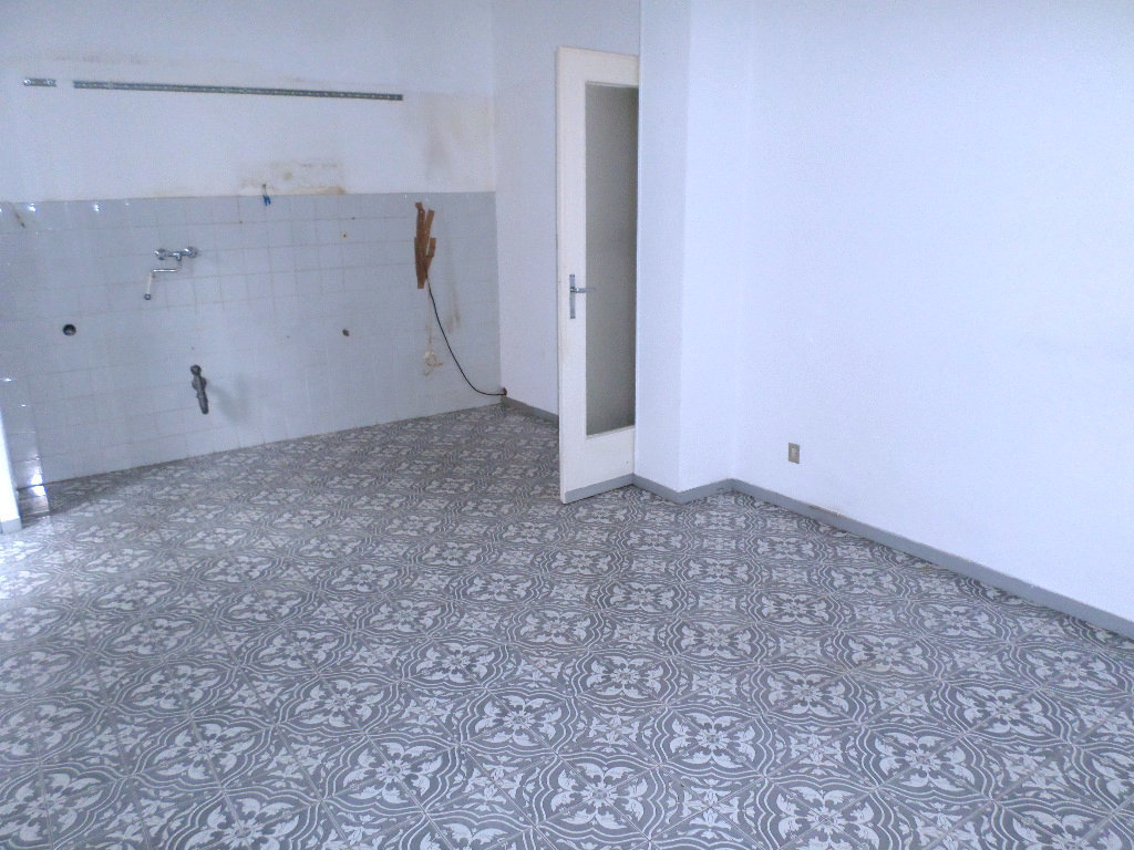 Appartamento da ristrutturare in vendita Rif. 9541099