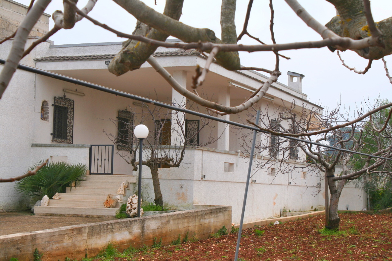 Villa in buone condizioni in vendita Rif. 9630231