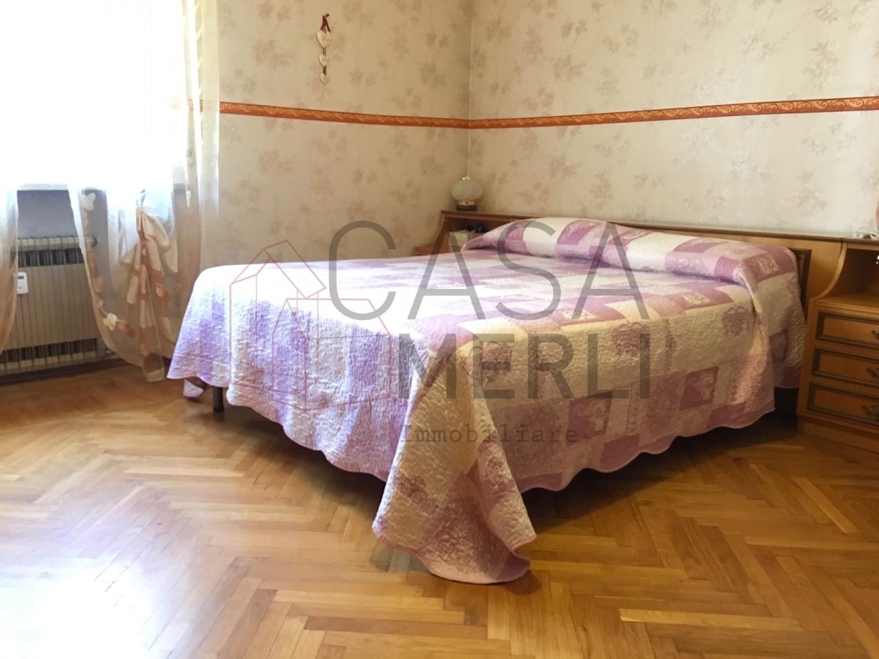 Trilocale in buone condizioni arredato in affitto Rif. 10863084
