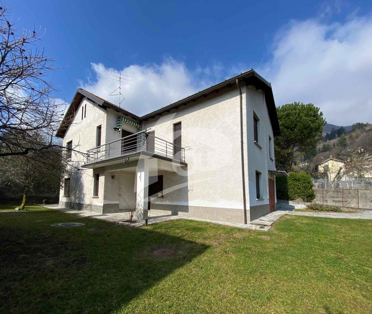 Villa in vendita a Cittiglio, 12 locali, prezzo € 275.000 | PortaleAgenzieImmobiliari.it