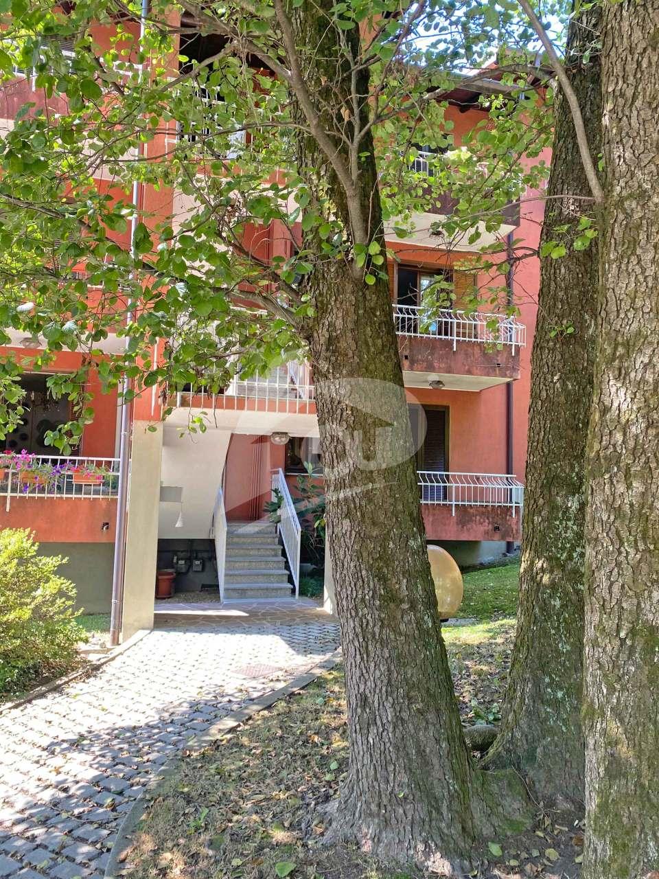 Appartamento in vendita a Leggiuno, 3 locali, prezzo € 128.000 | PortaleAgenzieImmobiliari.it
