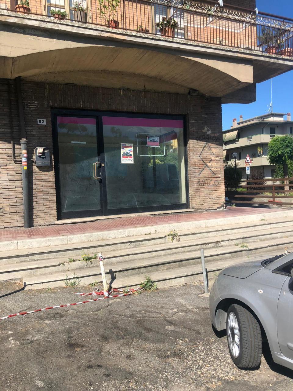 Locale commerciale - 2 Vetrine a Mentana Rif. 10525485