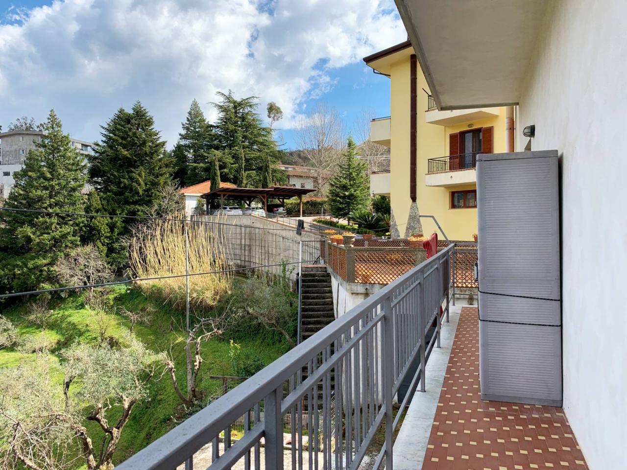 Porzione di casa in buone condizioni in vendita Rif. 12384231