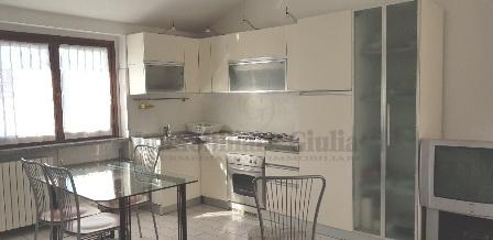 Appartamento in ottime condizioni arredato in affitto Rif. 9821837