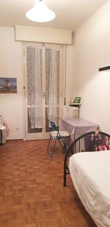 Stanza / posto letto in buone condizioni arredato in affitto Rif. 10430386
