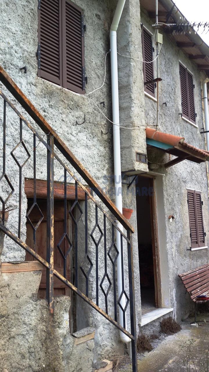 Rustico / Casale in vendita a Taggia, 3 locali, prezzo € 44.000 | CambioCasa.it