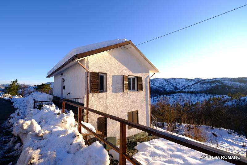 Villa in vendita a Ponzone, 8 locali, prezzo € 90.000 | PortaleAgenzieImmobiliari.it