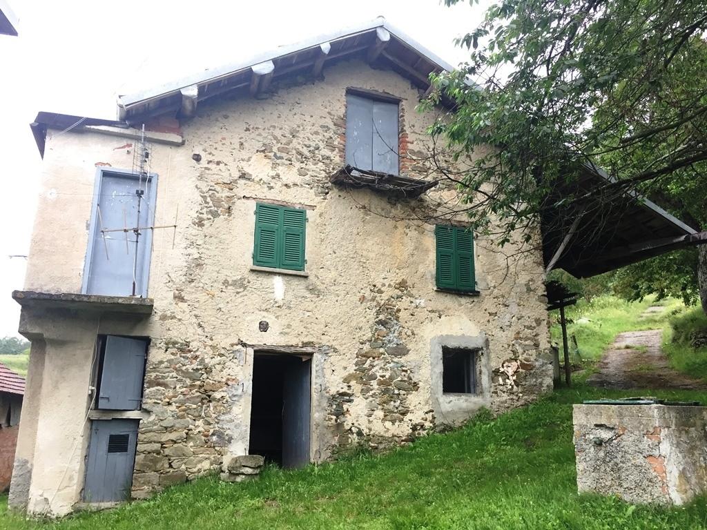 Rustico / Casale in vendita a Giusvalla, 11 locali, prezzo € 90.000 | PortaleAgenzieImmobiliari.it
