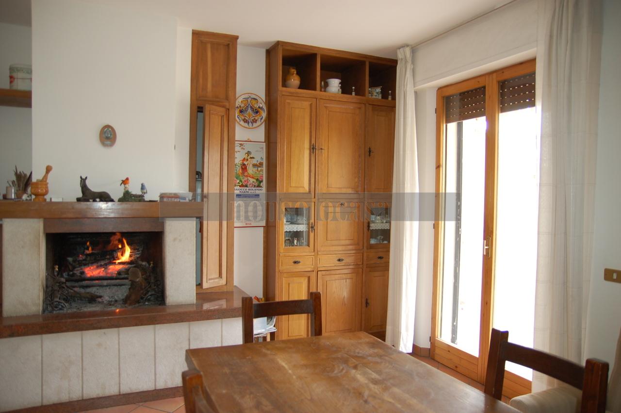 Porzione di casa in buone condizioni arredato in vendita Rif. 9829624