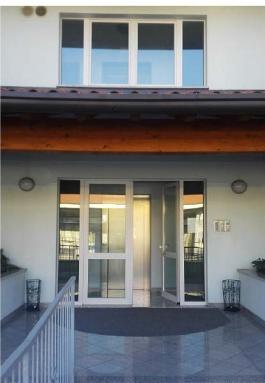 Porzione di casa in buone condizioni in vendita Rif. 11487233