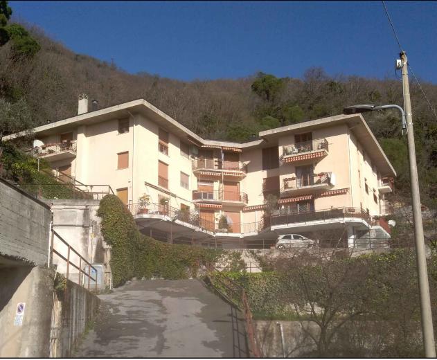 Appartamento in buone condizioni in vendita Rif. 10715760
