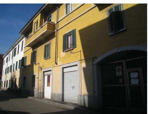 Locale commerciale - 2 Vetrine a Milano
