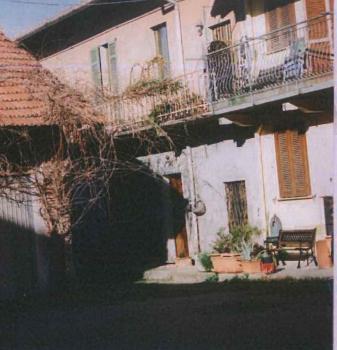Porzione di casa in buone condizioni in vendita Rif. 11569759