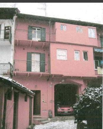 Porzione di casa in buone condizioni in vendita Rif. 11204119