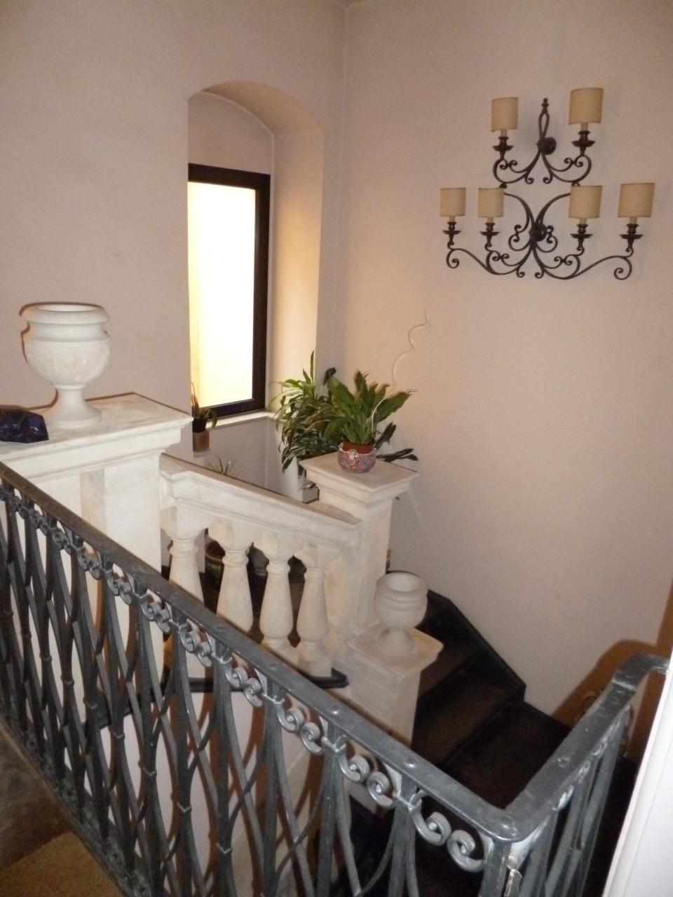 Quadrilocale ristrutturato arredato in affitto Rif. 10297808