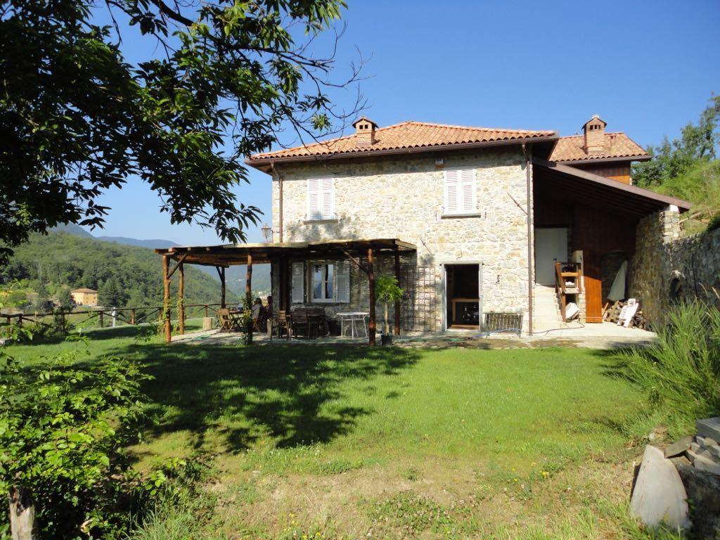 Indipendente - Casale a Varese Ligure