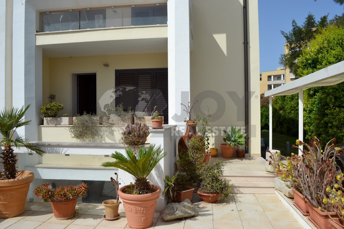 Villa in ottime condizioni in vendita Rif. 9707403