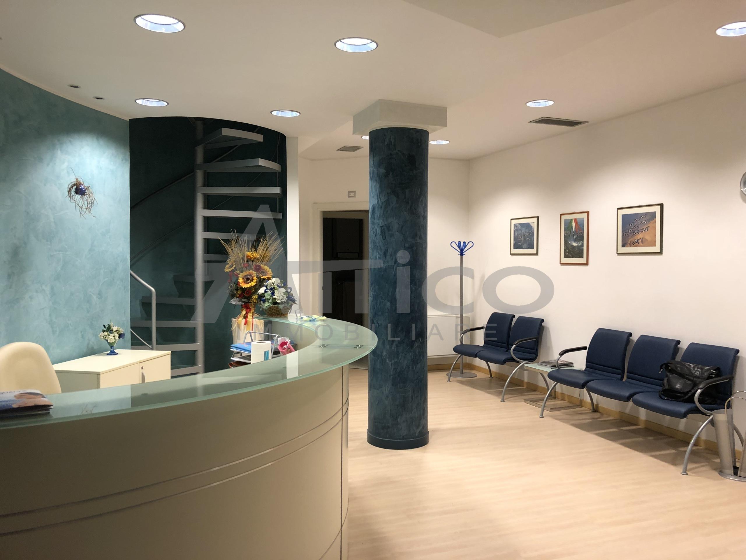 Ufficio Rovigo : Codice a1222 ufficio vendita a rovigo attico immobiliare