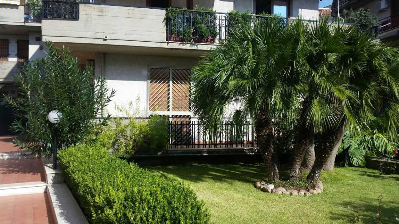 Appartamento in buone condizioni in vendita Rif. 7012228