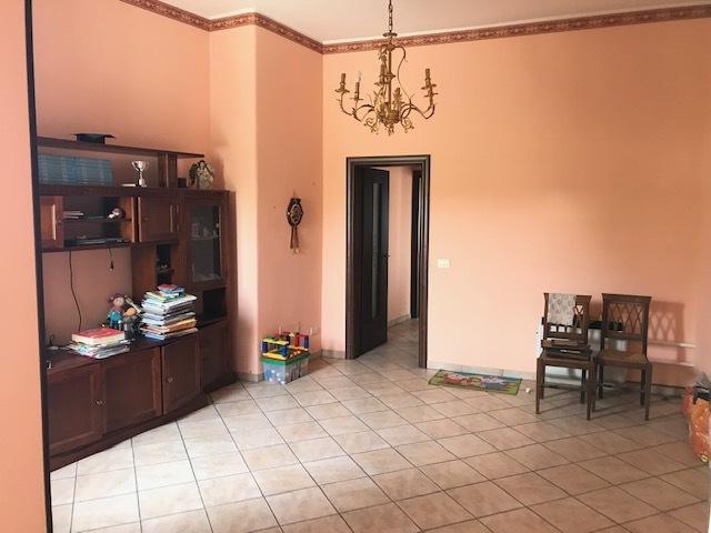 Appartamento ristrutturato in vendita Rif. 10695077