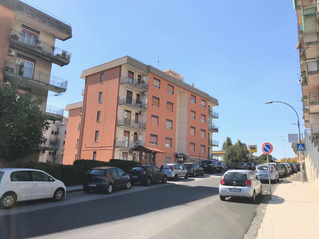 Appartamento da ristrutturare in vendita Rif. 9707243