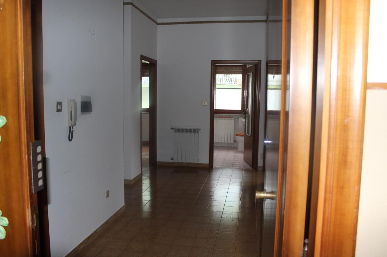 Bilocale da ristrutturare in affitto Rif. 8589536