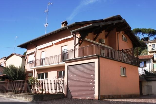 Villa ristrutturato in vendita Rif. 9863591