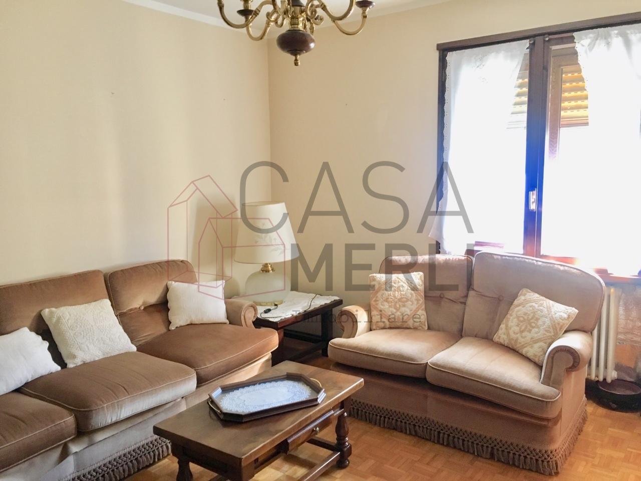 Appartamento in ottime condizioni arredato in affitto Rif. 11086149