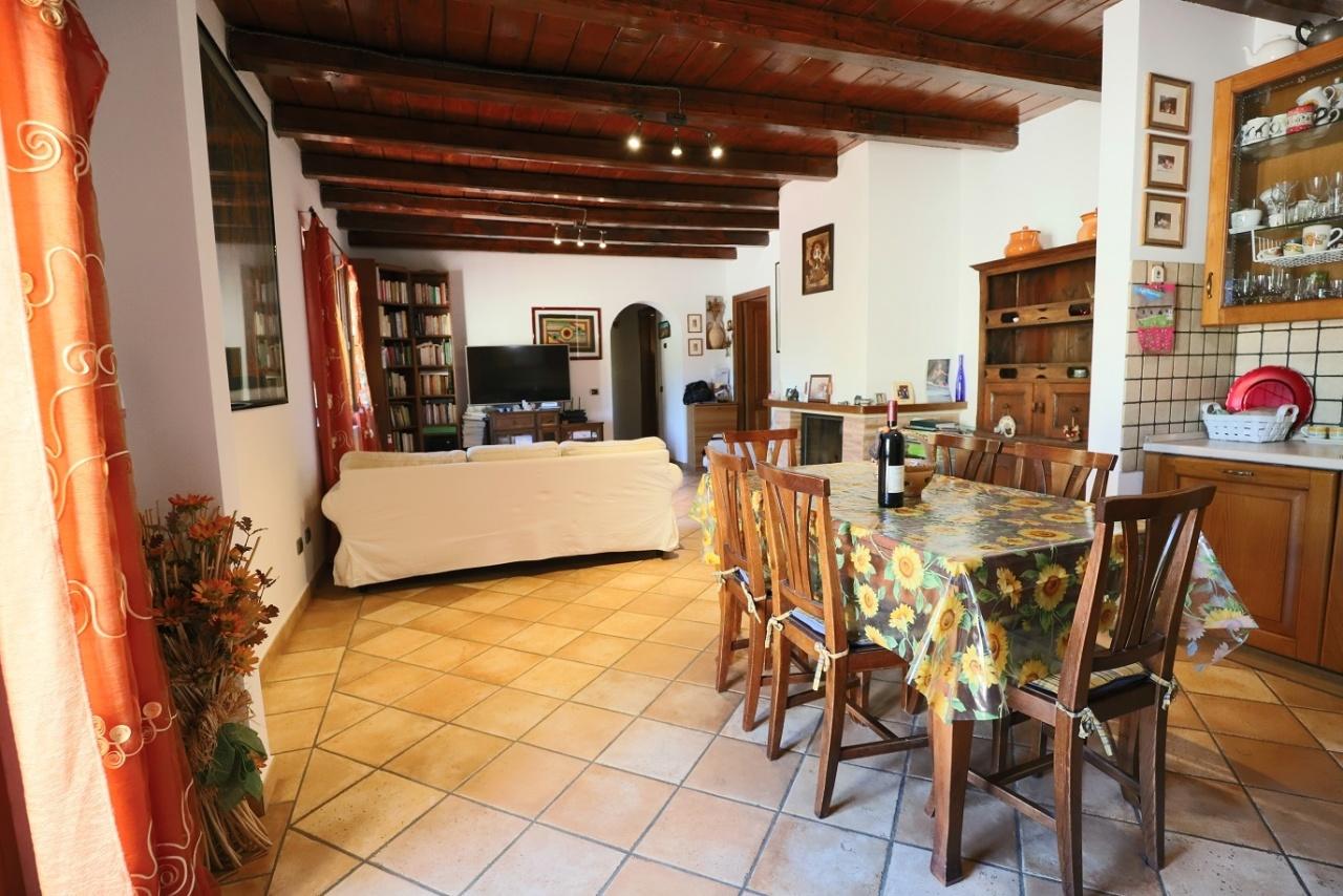 Villa in ottime condizioni in vendita Rif. 11173924
