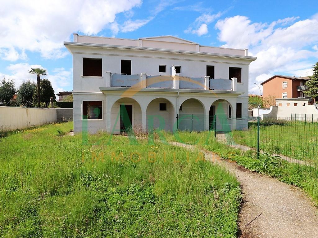 Villetta a schiera in vendita Rif. 8016932