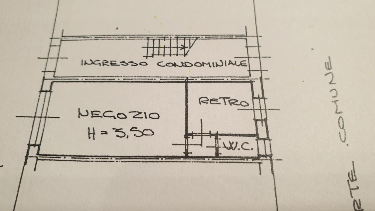 Negozio / Locale in vendita a Viareggio, 2 locali, prezzo € 50.000 | CambioCasa.it