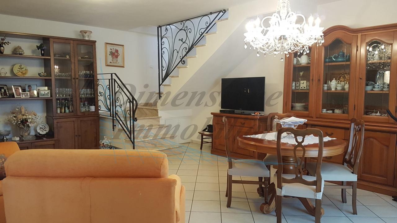 Casa Indipendente in ottime condizioni in vendita Rif. 8813861
