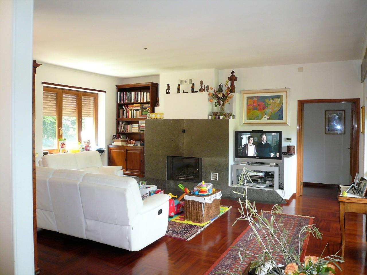 Villa in buone condizioni in vendita Rif. 10313733