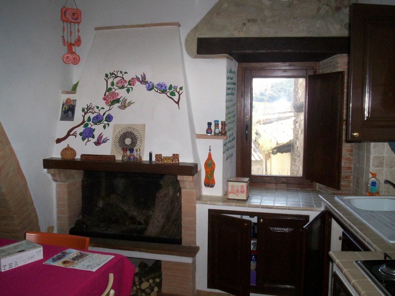 Appartamento in ottime condizioni in vendita Rif. 10297908