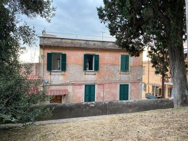 Appartamento in vendita a Tivoli, 4 locali, prezzo € 70.000 | PortaleAgenzieImmobiliari.it