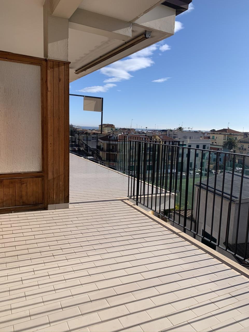 Appartamento in vendita a San Benedetto del Tronto, 5 locali, prezzo € 310.000 | PortaleAgenzieImmobiliari.it