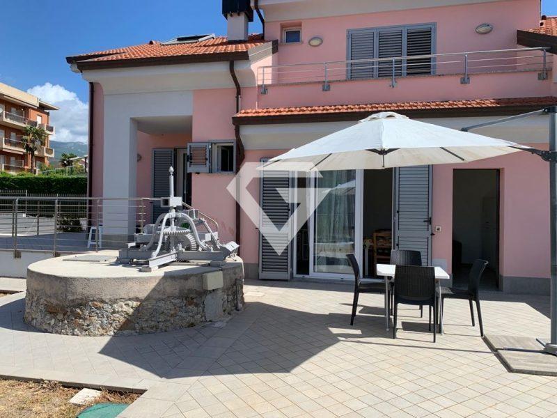 Soluzione Semindipendente in affitto a Loano, 4 locali, prezzo € 750 | PortaleAgenzieImmobiliari.it