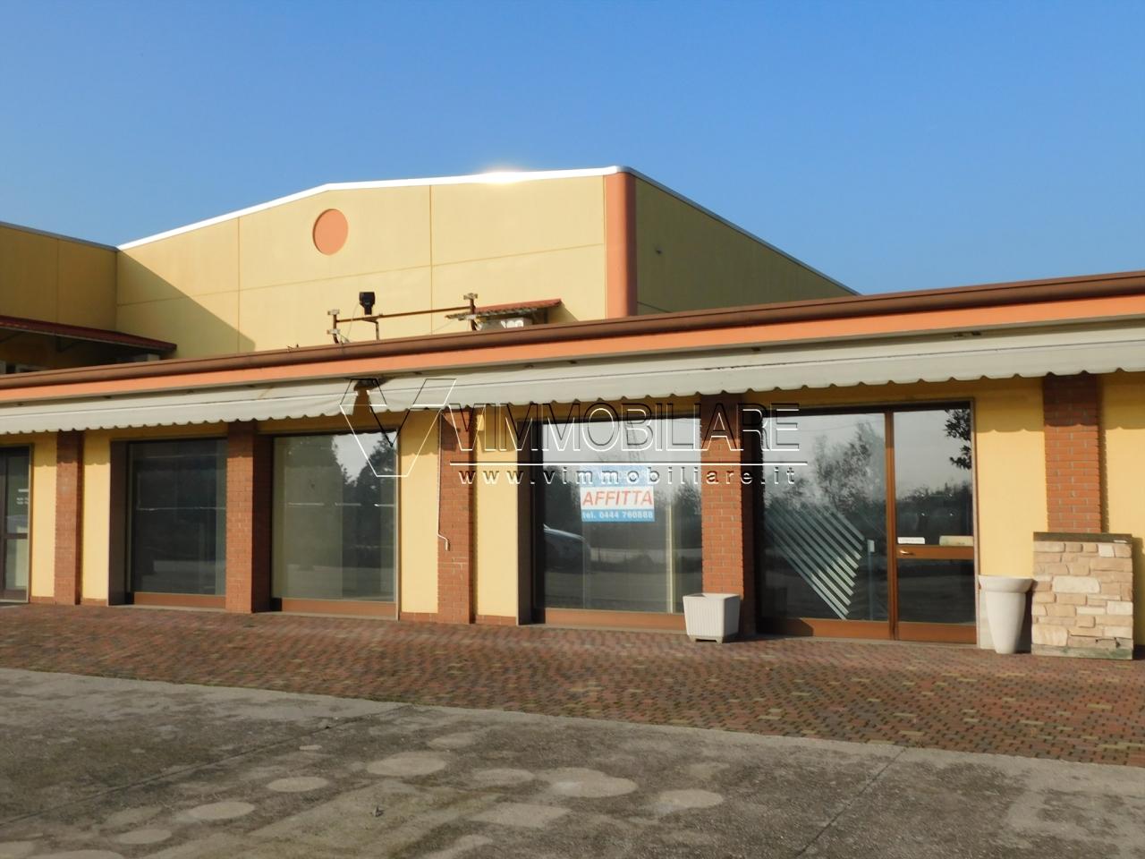 Locale commerciale - Oltre 3 vetrine a Pojana Maggiore Rif. 9418816
