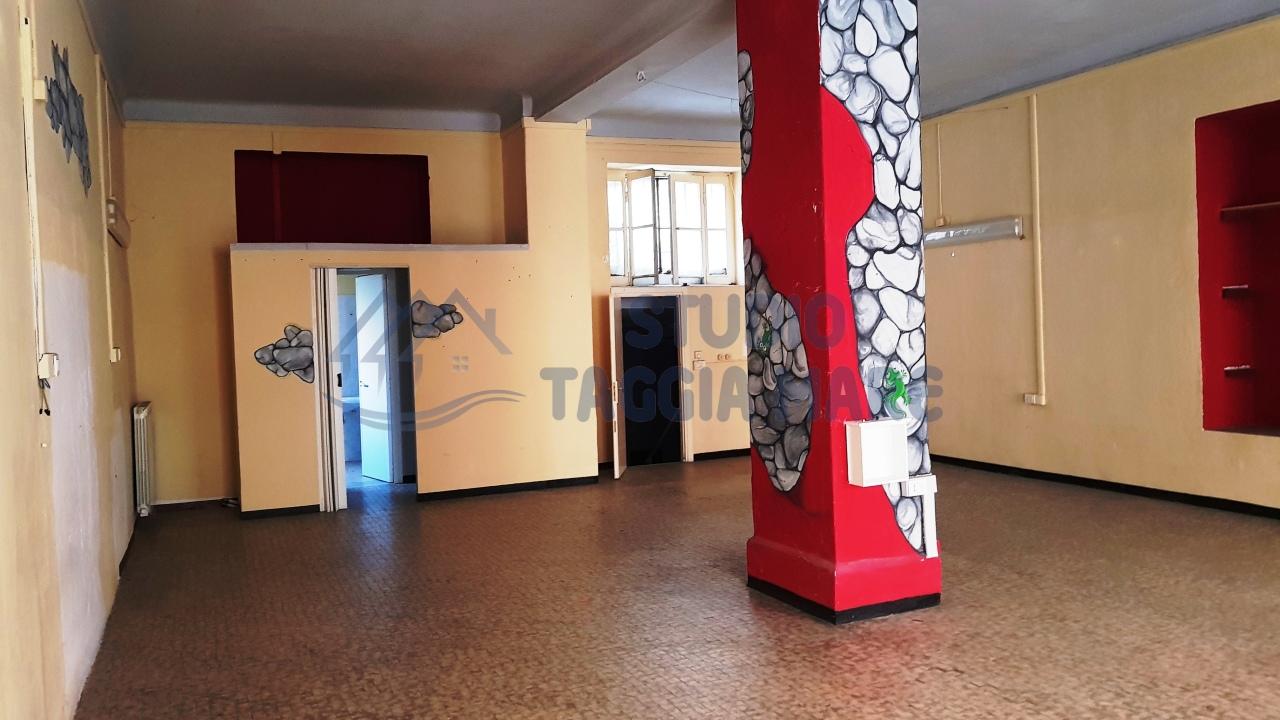 Locale commerciale - 2 Vetrine a Arma Di Taggia, Taggia Rif. 9224713