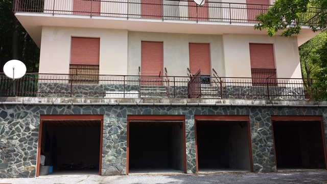 Appartamento in vendita a Urbe, 5 locali, prezzo € 30.000 | PortaleAgenzieImmobiliari.it